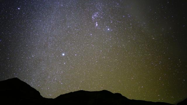 星が輝く夜空