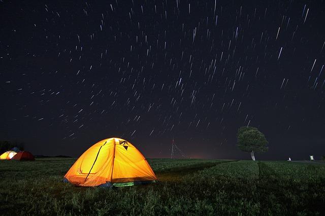夜空とテント