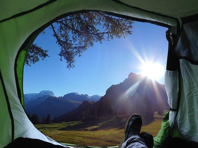テントの中から見た景色