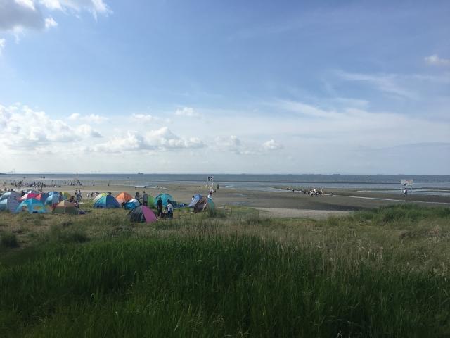 海沿いのキャンプ地