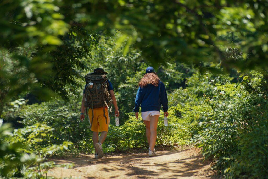徒歩でキャンプ